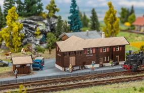 Bahnhof Stugl-Stuls mit Toile